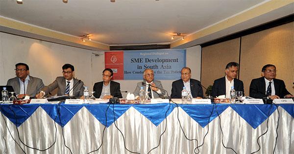 (left) Towfiqul Islam Khan,  Sabieh Haider, Ahsan Habib Mansur, M Syeduzzaman, Kazi Akram Uddin Ahmed and Mustafizur Rahman