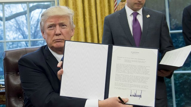 Donald Trump-withdraws-Trans-Pacific Partnership (TPP)